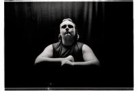 Monster Robinson, catcheur de la B.Y.W.S. (Brussels Young Wrestling Style), avant son match lors du Big Impact 2013. Bronks. Bruxelles.